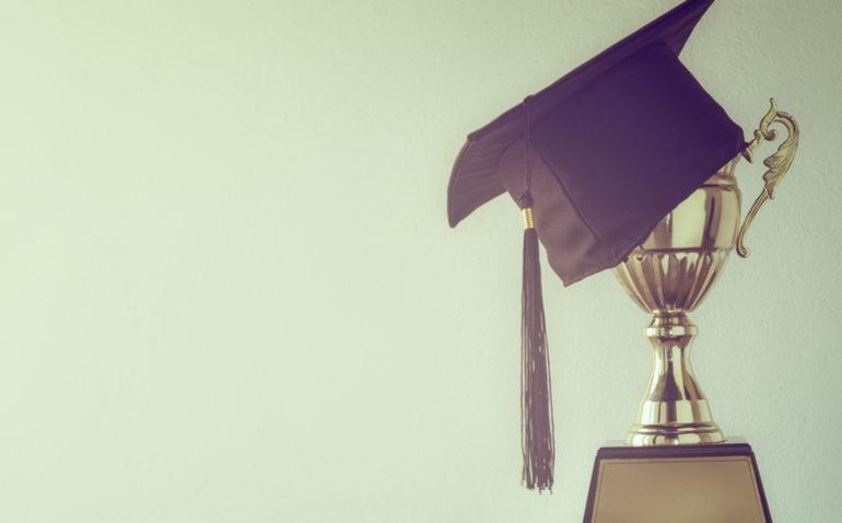 custa-melhor-faculdade
