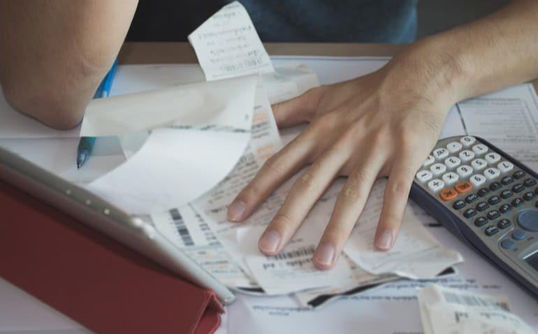 Como-sair-das-dívidas
